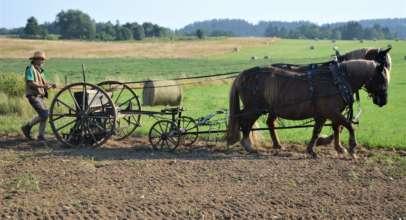 Příprava půdy na Konipasu pro další sezónu